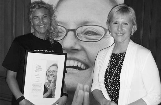 Johanna erhåller Anna Lindhs stipendiumet